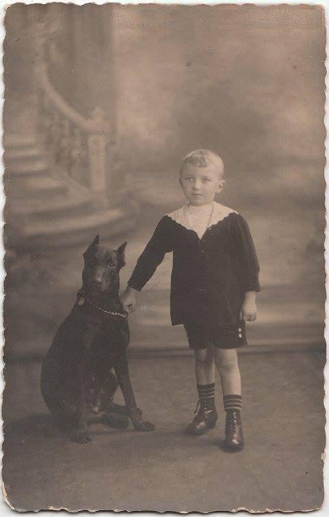 L'enfant et son Dobermann - photo 1915